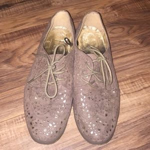 Forever 21 Oxford Shoes Size 7.5